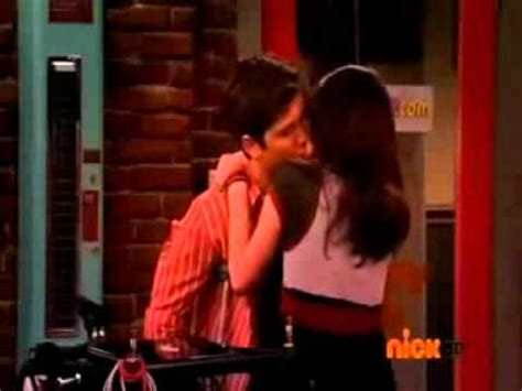 Besos de Carly y Freddie ICarly iSaved Your Life - YouTube