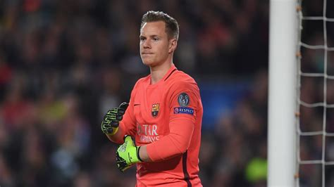 Marc-Andre Ter Stegen signs new contract with Barcelona
